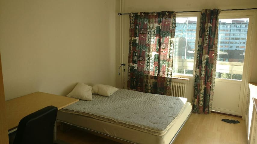 Spacious and comfortable room in Lund