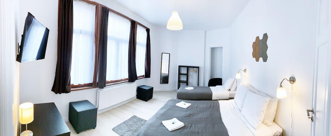 Brussels - Midi Room Queen
