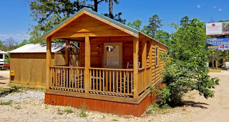 Durango: Sleeps 4, Tiny Cabin, Wifi, Pet Friendly