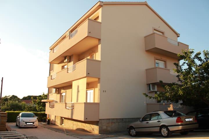 Lucy - Zadar - Apartamento