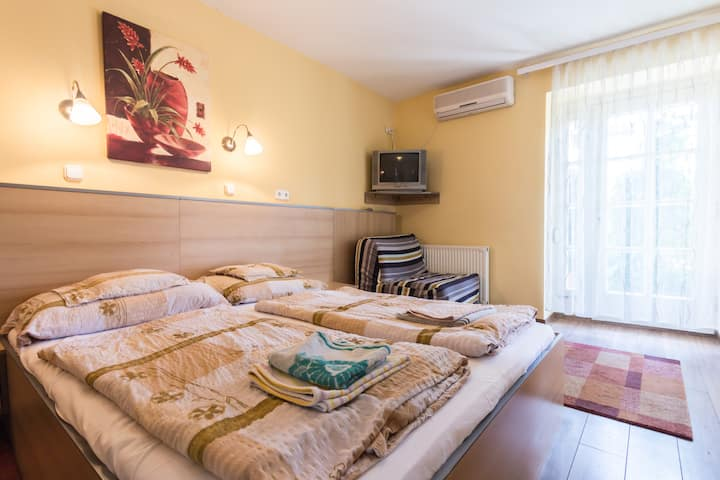 Charming room for two in Buda