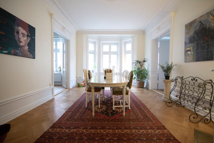 Beautiful and comfortable flat in Stockholm city