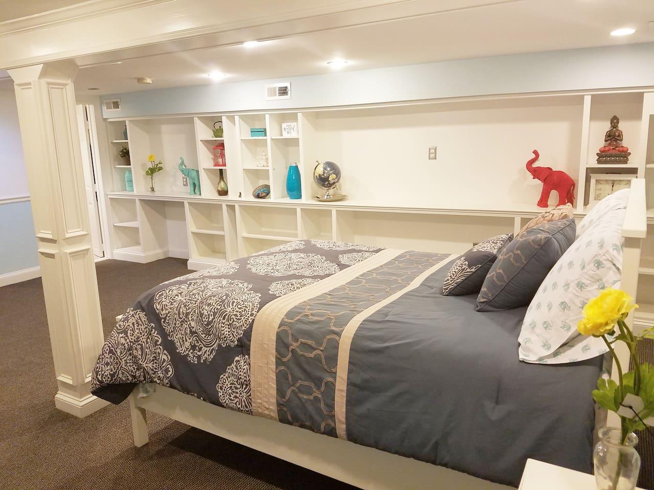 Spacious studio apartment with limitless storage!