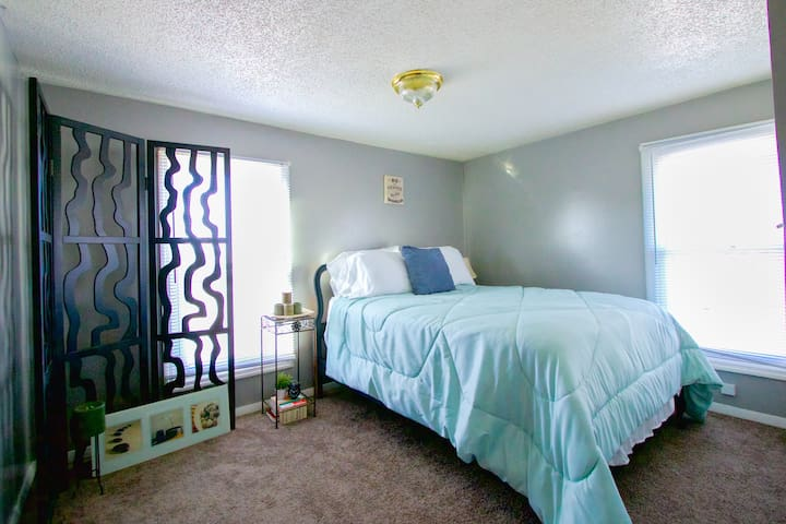 8 MIN TO DOWNTOWN - Speedway - Apartment