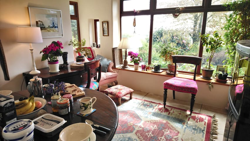 Spacious double room - cottage - stunning views