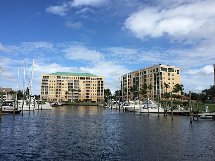 Burnt Store Marina- Harbor Towers, 2bdrm, GulfView