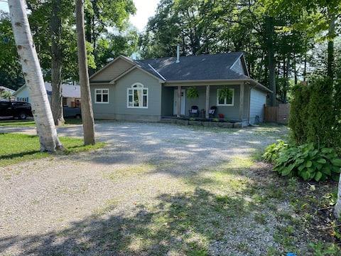 NEW Quiet/Peaceful: Harvest Landing Cottage