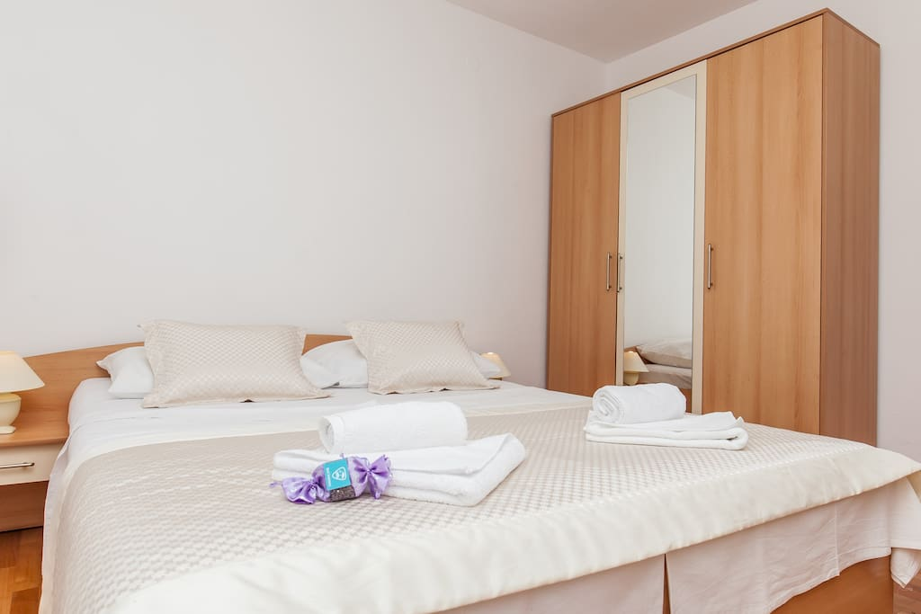 master bedrooom with double bed