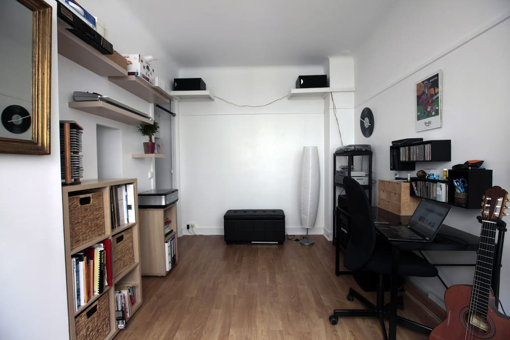 Nid douillet dans paris appartements louer paris 20e - Nid rouge lincroyable appartement paris ...