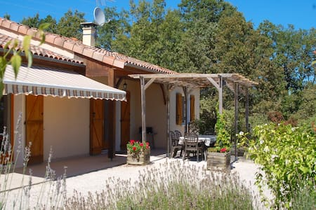 Beautiful private villa with its own pool. - Labastide-Murat
