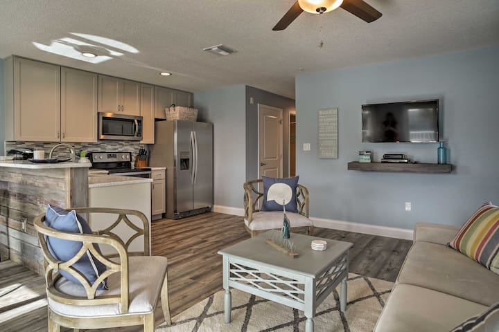 Downtown Cocoa Beach Apt w/ Deck - Walk to Beach!
