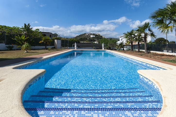 ROSERS - Villa with private pool in Pedreguer.
