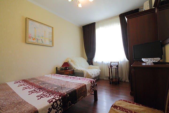 Уютная комната в центре Сочи, море - 300м, 2-3 чел