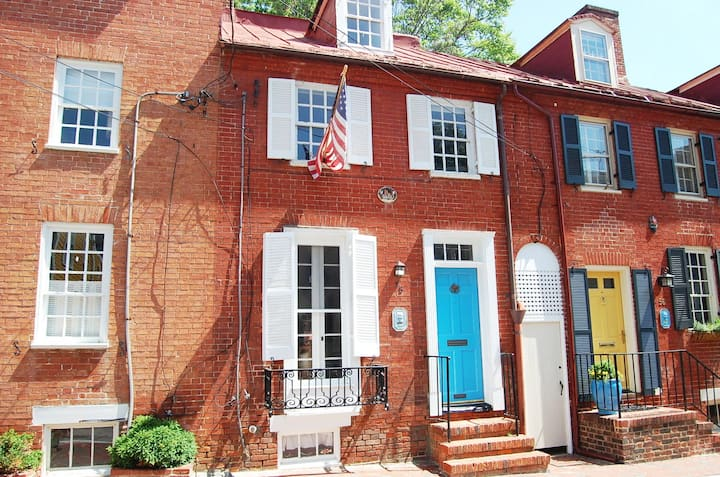 Downtown Annapolis Historic Home!