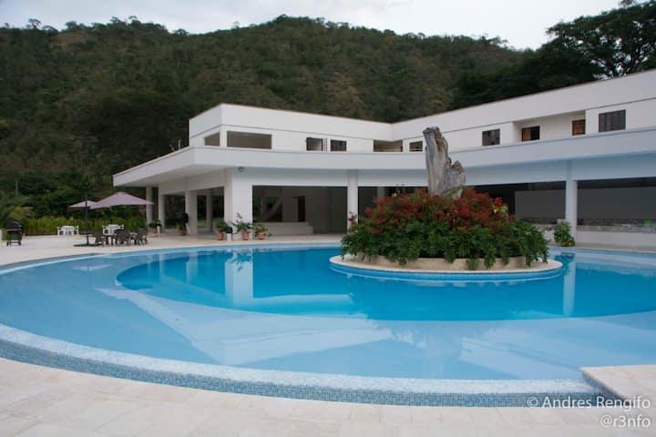 Luxury house en Santafe de Antioquia.