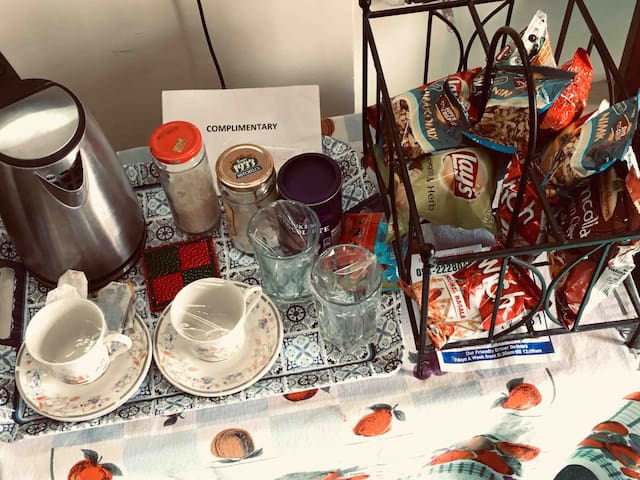 Conplimentary tea setup