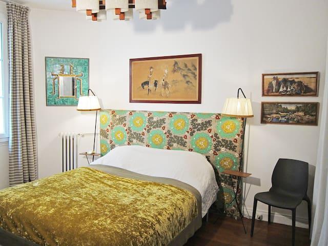 Chambre/Bedroom N°1  160 cm x 200 cm