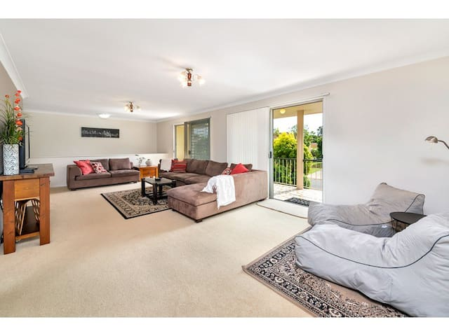 Delightful family home near Airport - Boondall - Hus