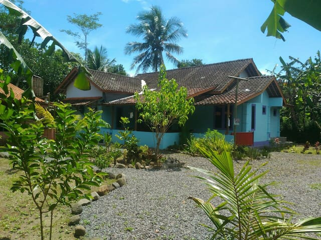 Homestay Casajava , Guest house - Borobudur - Bed & Breakfast