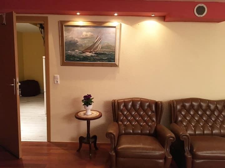 Ruhige naturgelegene Zimmer in EFH, 20 min Zentrum