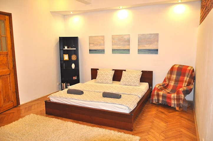 COMFY NEWTOWN APARTMENT @RIVERSIDE