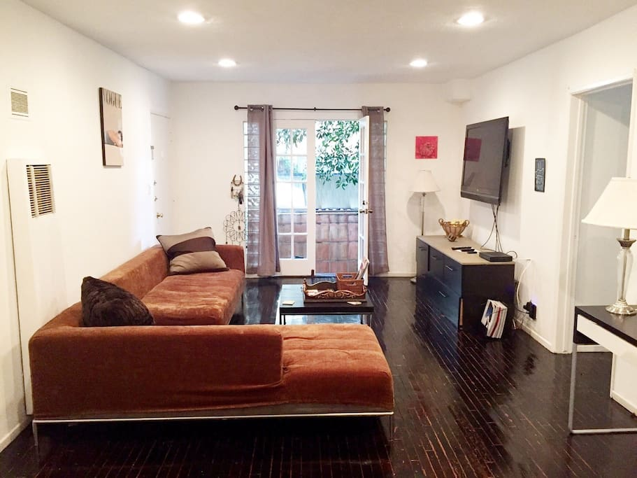 West Hollywood 1 Bedroom Apt W Parking Apartments For Rent In Los Angeles California