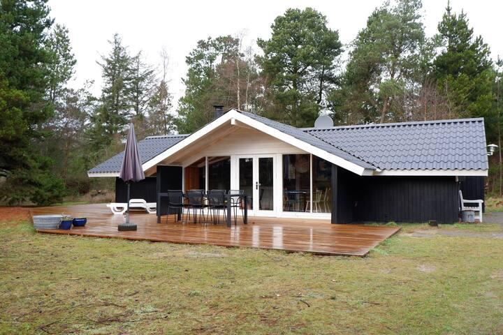 Sommerhus i Hune, tæt ved Blokhus