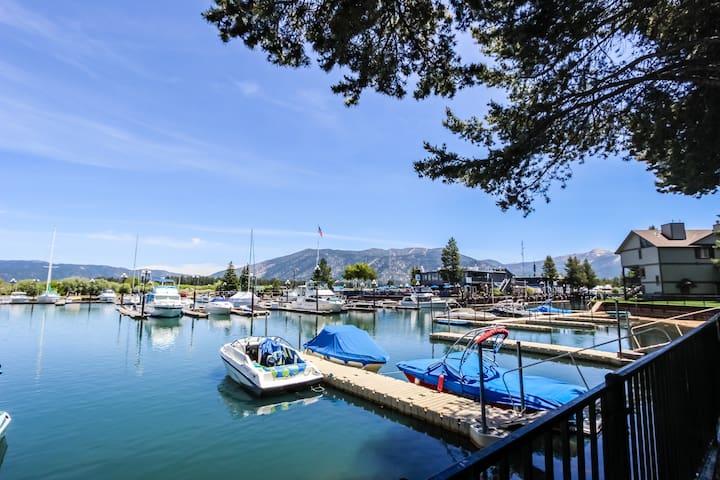 Cozy, w/ lake views, shared pier, dock & boat slip + shared pools & hot tub!