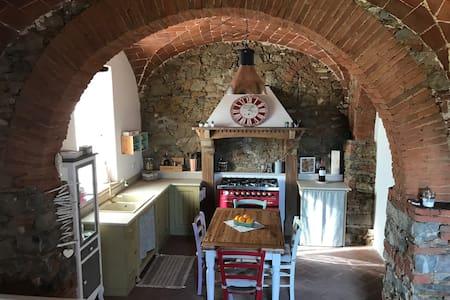 Entdecken Sie die Toscana aus Campiglia Marittima - Campiglia Marittima