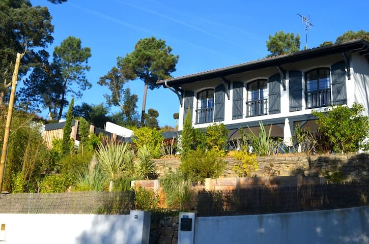 Jolie Villa Basco Landaise à Hossegor, au calme