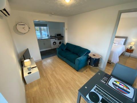 The Drum Room Holiday Apartment near Horsham