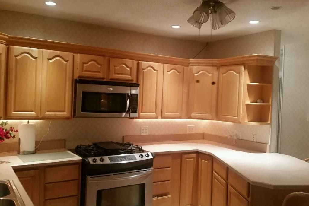 Large 4 Bedroom Home 5 Mile From Universal Studios Houses For Rent In Orlando Florida United