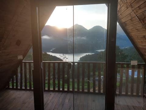 Chale  maravilhoso montanhas e represa  Capivari
