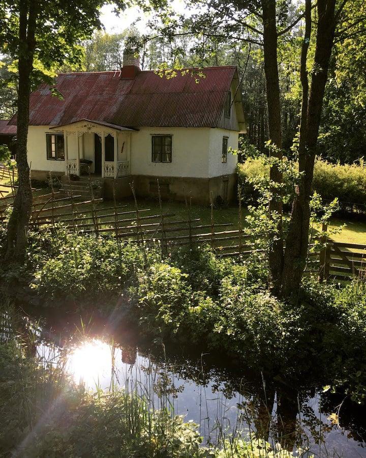 Gotlandstorp vid sjö