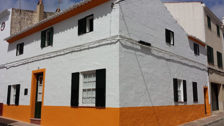 Maison traditionnelle de village - Es Migjorn Gran - House
