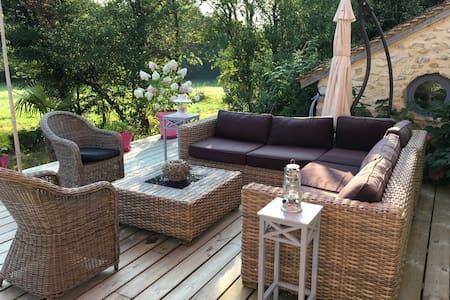 Venez  séjourner dans un cadre agréable et raffiné - Bouesse