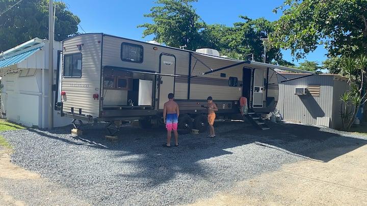Camper en la playa de rincon
