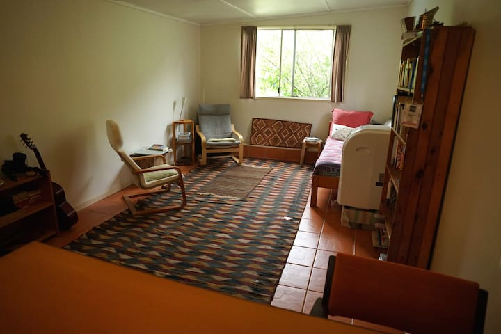 Large Spacious One Bedroom Beach Bungalow