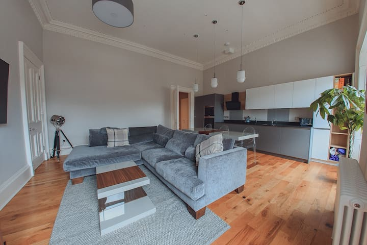Newly converted apartment in Leith, The Shore