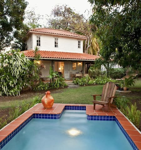 Mango Cottage - Your very own Caribbean Oasis!