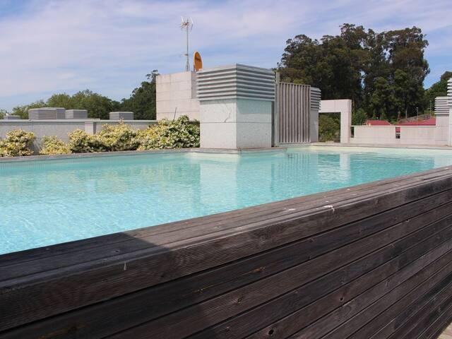 Apartamento semilujo con piscina,garaje,wifi Vigo