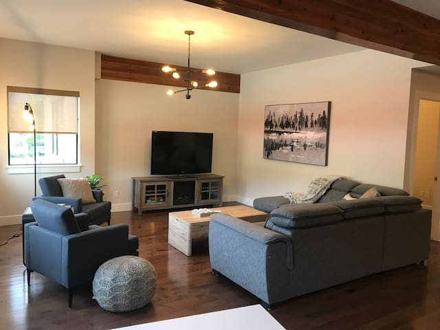 Downtown Revy 2 bedroom condo