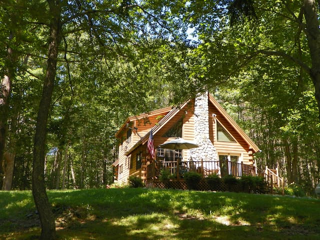 Lovely Log Cabin in Mid-Coast Maine - Searsport - Cabana
