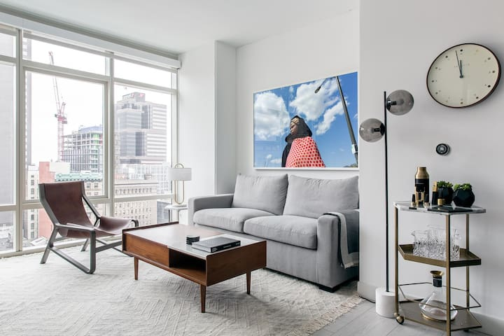 Stylish 1BR | Lounge Area | Downtown by Lyric