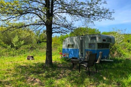 Retro Trailer Escape near Lake Michigan Beach's