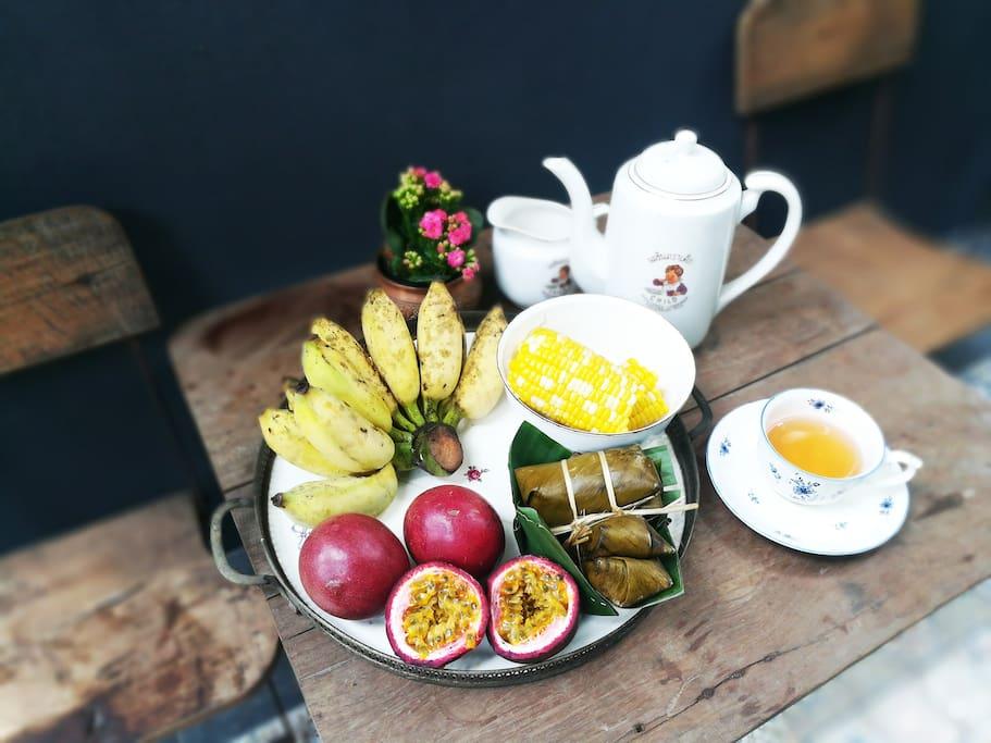 อาหารเช้าแนววิถีไทย (สลับหมุนเวียน)