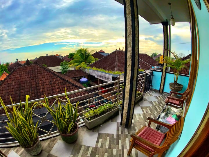 Balinese homestay3 w/ big room Overlooking Temples