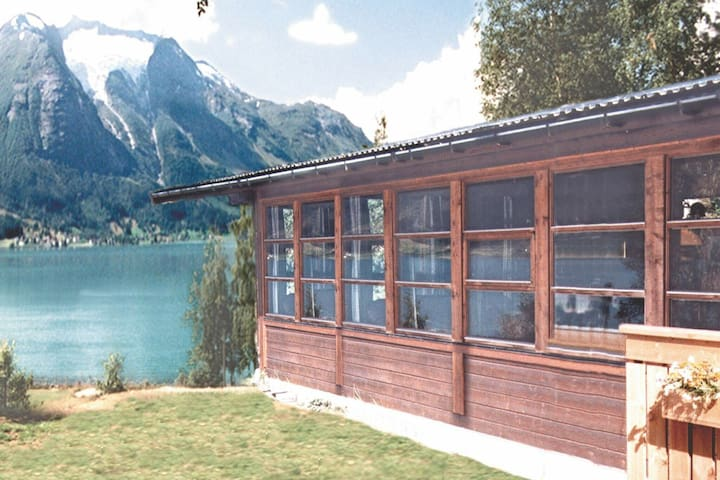 10 person holiday home in Oppstryn