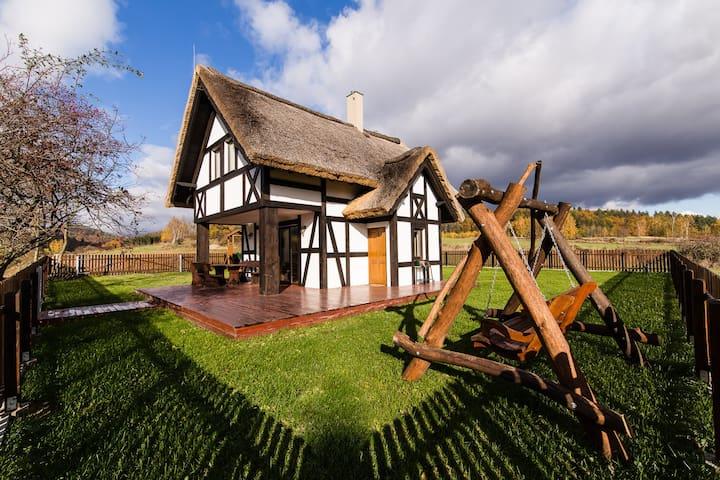 Hereczówka, samotna chatka na skraju lasu..... - Laskówka - House