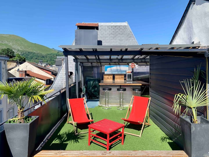 loft & terrace in the heart of Lourdes